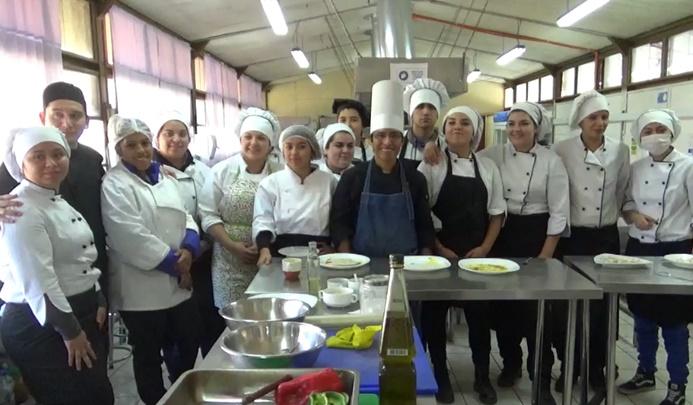 Andes on line dictan clase magistral de cocina for Articulos de cocina online