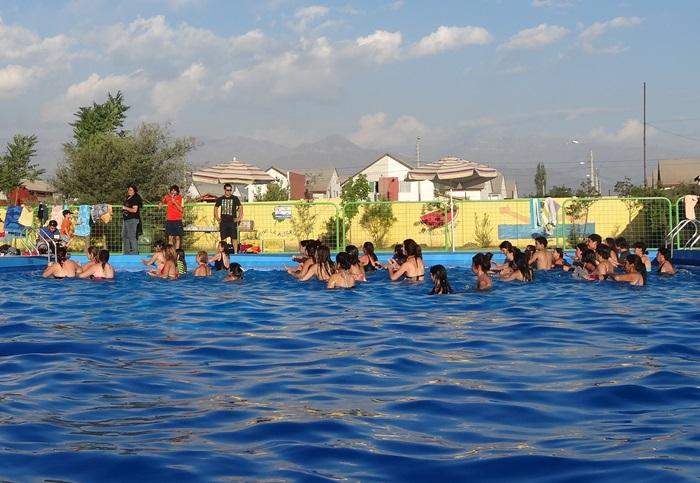 Andes on line impartir n cursos de nataci n gratuitos en for Piscina la rinconada