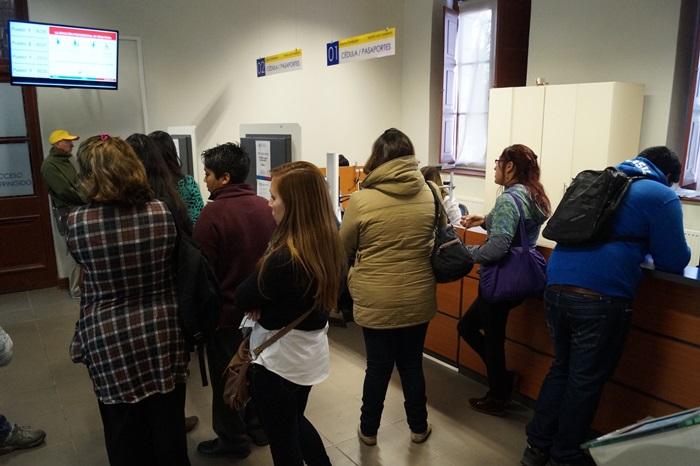 Andes on line gran cantidad de usuarios acudi a las for Oficina registro civil